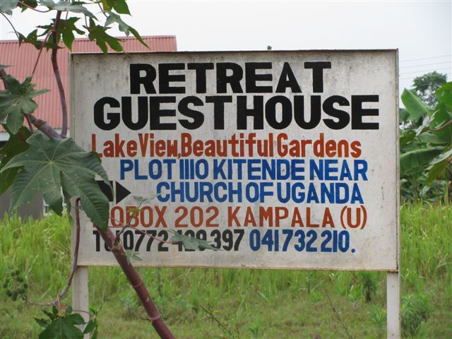 [picture of a sign to the guesthouse (entebbe - kampala)]